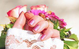 Rosa Fingernägel, Gelnägel