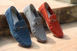 Schuhe in Trendfarben